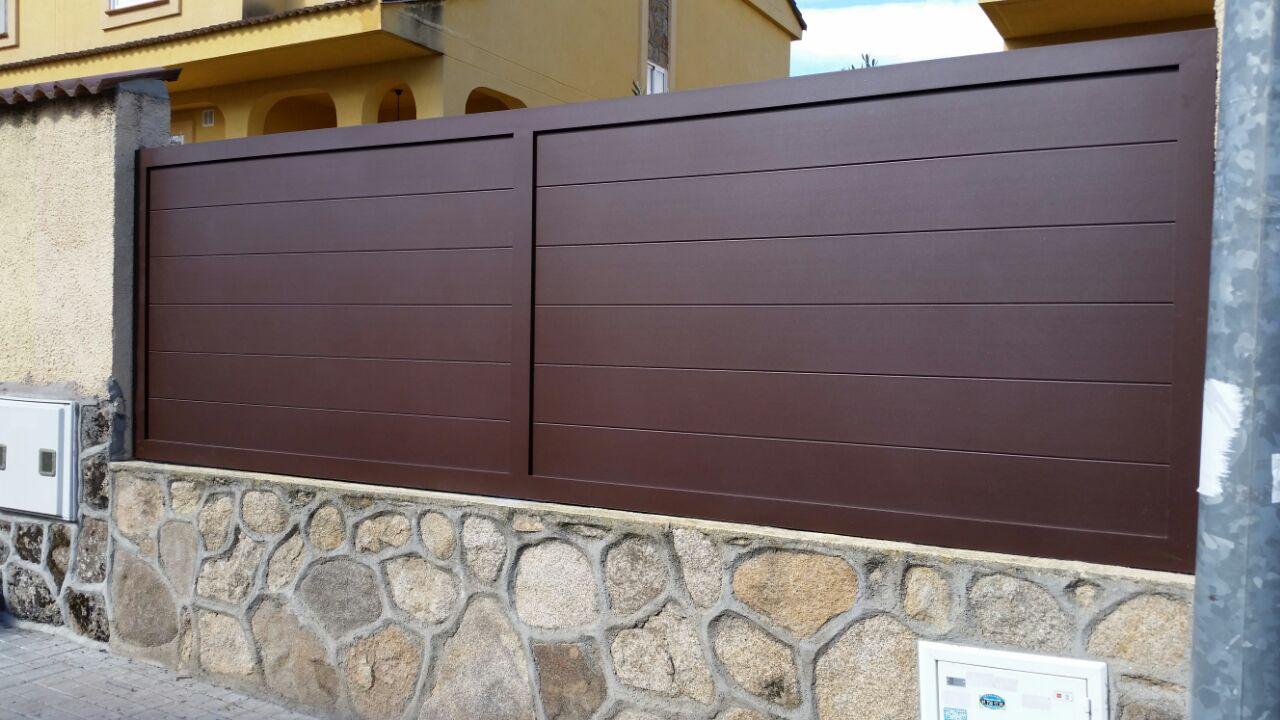 Modelos puertas de aluminio para exterior affordable for Puerta corredera aluminio exterior
