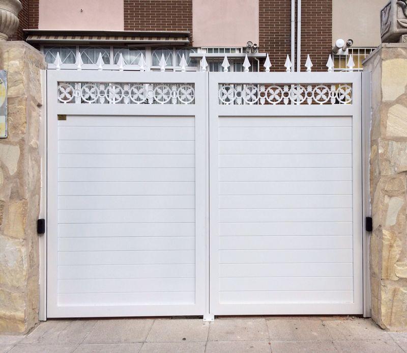 Puertas de aluminio soldado modelo batres forja grupo - Modelo de puertas de aluminio ...