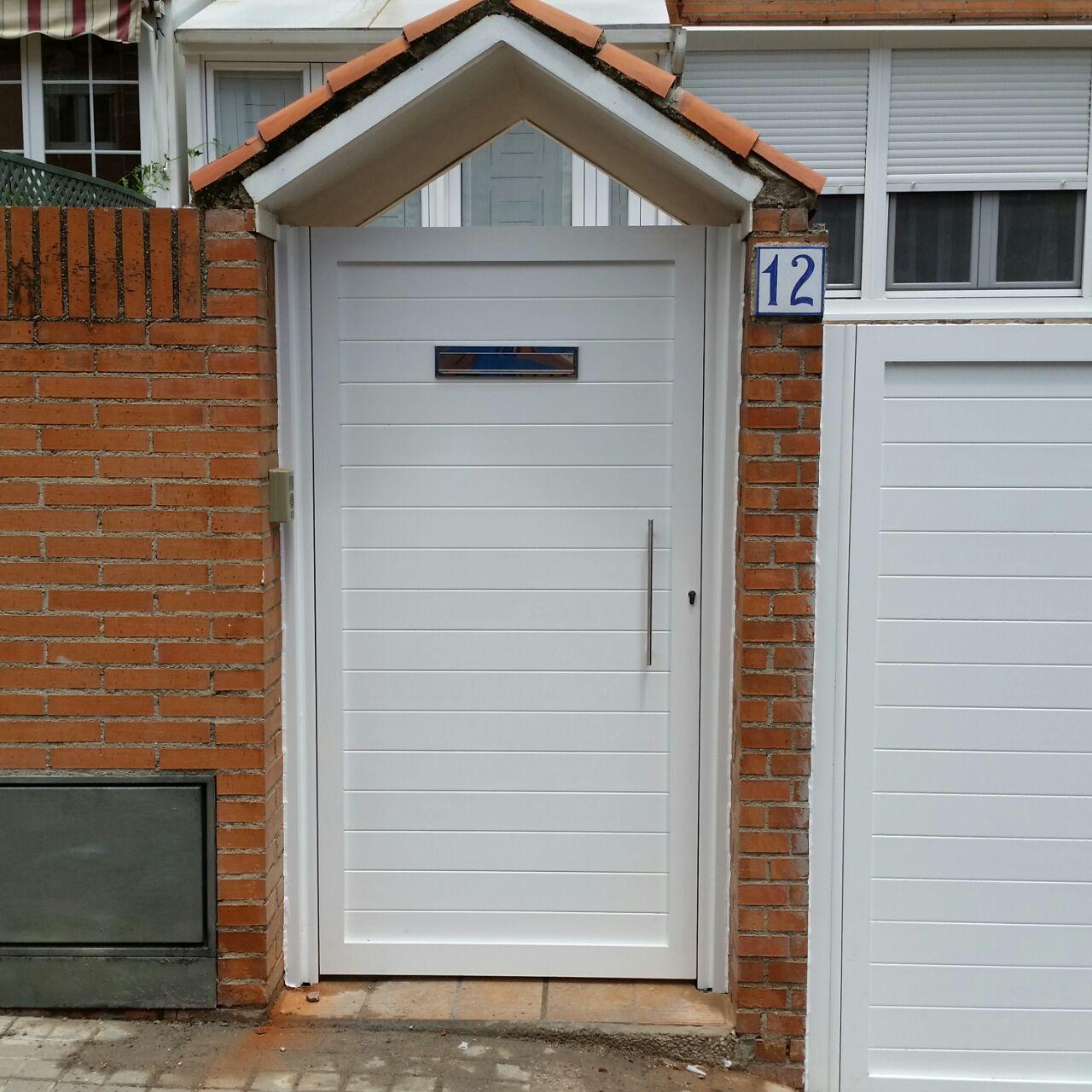 Puertas de aluminio soldadas modelo batres grupo marver - Modelo de puertas de aluminio ...