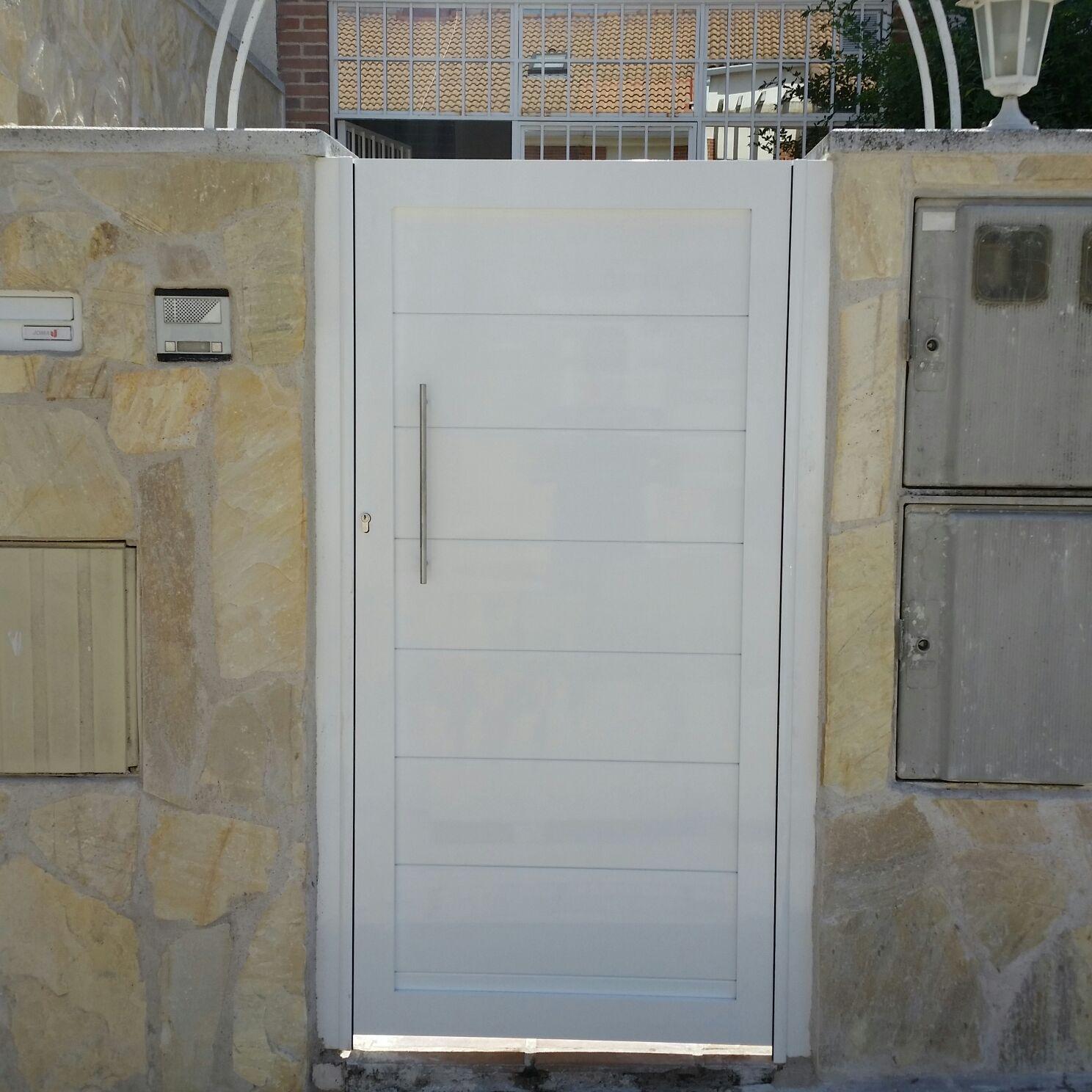 Marver aluminio soldado blog grupo marver cancelas de - Modelo de puertas de aluminio ...