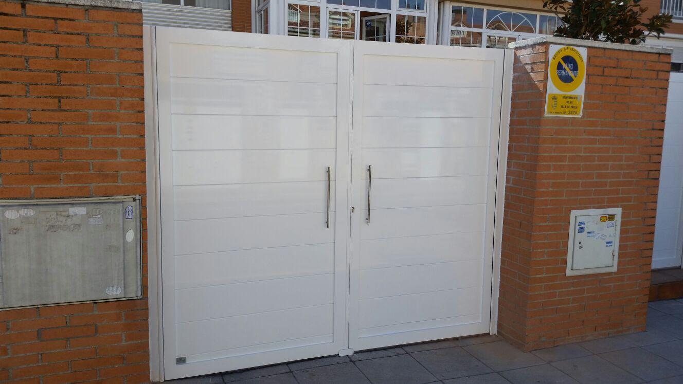 Puertas de aluminio de exterior modelo gri on grupo marver - Modelos de puertas de aluminio ...