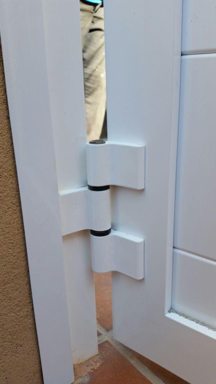 Marver aluminio soldado blog grupo marver cancelas de - Bisagras puertas metalicas ...