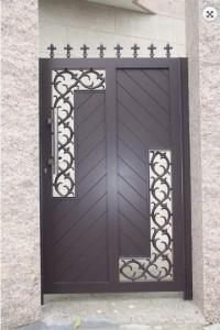 Puerta de aluminio soldado