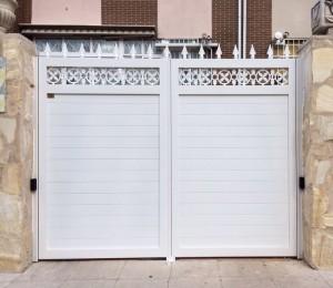 Puerta de aluminio soldado 2 hojas forja