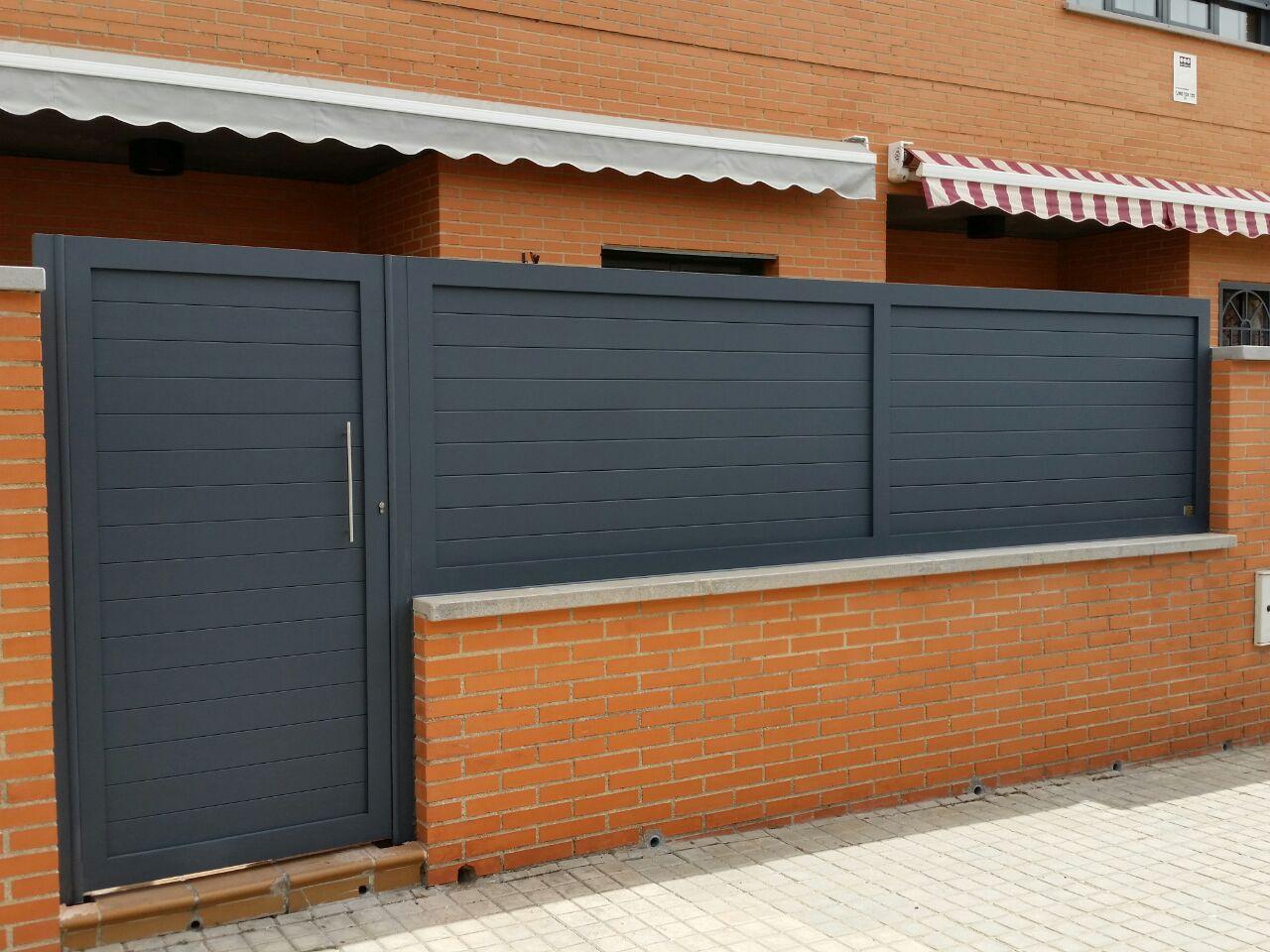 Puertas de aluminio soldado y vallas grupo marver - Puerta exterior aluminio precio ...
